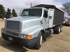 1995 International 8200 T/A Grain Truck