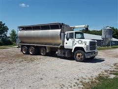 1996 Ford LNT9000 Tri/A Feed Truck