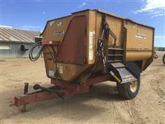 Knight Reel Auggie 3450 Feed Wagon