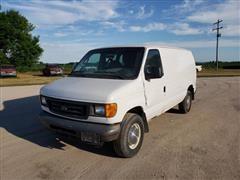 2005 Ford E350 Super Duty Cargo Van