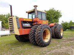 1981 Versatile 950 4WD Tractor
