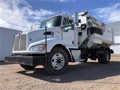 2013 Kenworth T370 Feed Truck