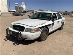 2003 Ford Crown Victoria Car