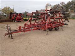 Case IH 4800 24' Field Cultivator W/3 Bar Harrow
