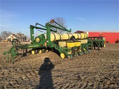 "John Deere 7200 MaxEmerge 2 16R30"" Planter"