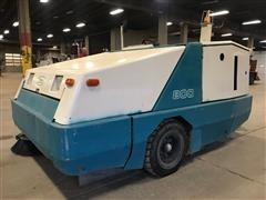 1997 Tennant 800 Industrial Rider Sweeper