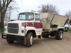 1987 Ford L8000 S/A Feed Mixer Truck