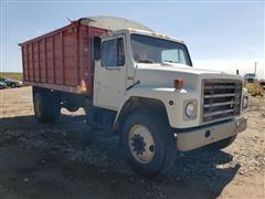 1982 International S1700 S/A Grain Truck