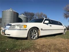 1999 Lincoln Continental Town Car Limousine