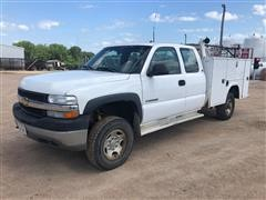 2002 Chevrolet 2500HD Extended Cab 4x4 Pickup Truck W/Service Body