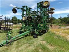 2006 John Deere 2210 52' Field Cultivator