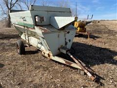 Schwartz 760 Feeder Wagon