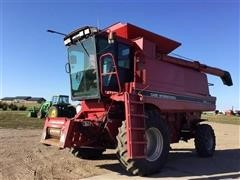 1994 Case IH 1644 Axial-Flow Combine