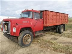 1974 International 1600 Straight Truck W/16' Bed & Hoist