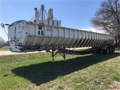 1996 Red River 49' Tri/A Belt Trailer