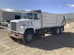 1980 Ford 8000 T/A Grain Truck