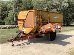 Knight Reel Auggie 3450 Feed Wagon