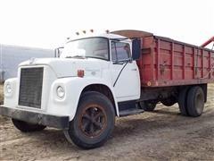 1970 International Loadstar 1600 Grain Truck
