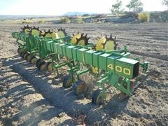 John Deere 400 Cultivator