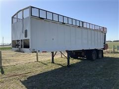 2016 Old Pine 30' T/A Live Bottom Silage Trailer