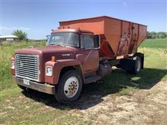 1973 International Loadstar 1700 S/A Grain Truck