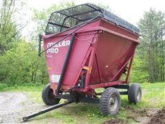 2007 Miller Pro 9012 High Dump Forage Wagon