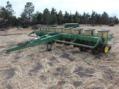John Deere P7000 8R30 Pull Type Planter
