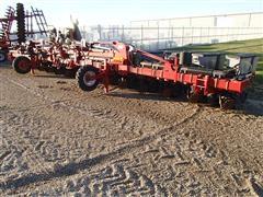 2013 Case International 1230 Stacker Planter