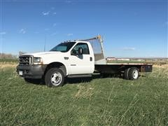 2002 Ford F450 XL Super Duty 2WD Flatbed Pickup