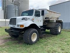 1998 International 4900 Big Wheels Floater Spreader Truck