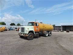 1985 Ford LT8000 T/A Water Truck