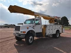 1997 International 4800 4X4 Bucket Truck
