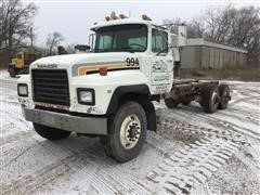 1998 Mack RD688S T/A Cab & Chassis (FOR PARTS ONLY - FLOOD DAMAGE)