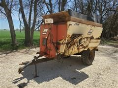 BJM 1910T Feeder/Mixer Wagon