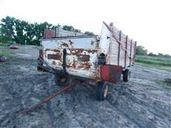 Lundell Loose Hay Feeder Wagon