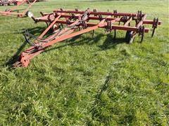 International 55 17 Shank Chisel Plow