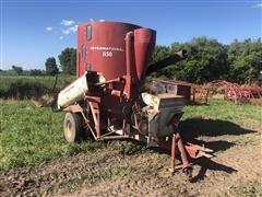 International Harvester 1150 Grinder Mixer