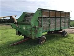 John Deere B0125 Feed Wagon