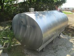 1980 Mueller OH 1000 Gallon Bulk Milk Tank