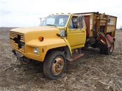 1991 Ford F700 Feed Truck w/ Knight Reel Augie 3250 Mixer Box