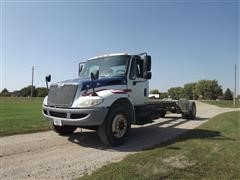 2006 International 4300 S/A Cab Chassis
