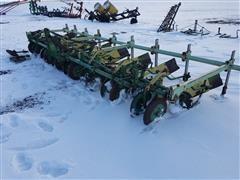 John Deere 569 Row Crop Cultivator