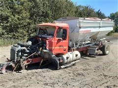 2000 Mack CX613 Fertilizer Tender Truck For Parts