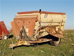 BJM 3312 Mixing Feed Wagon
