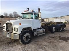 1998 Mack RD688S Tri/A Roll-Off Truck