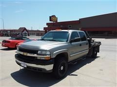 2001 Chevrolet 2500HD Crew Cab 4x4 Flatbed Pickup w/Bale Mover
