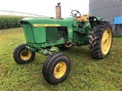 1970 John Deere 2520 2WD Tractor