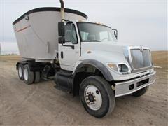 2006 International 7600 Feed Truck