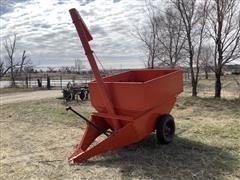 Helix Convey-O-Matic Feed Wagon
