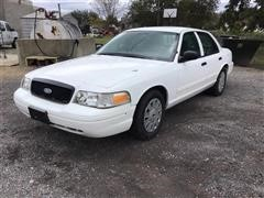 2010 Ford Crown Victoria 2WD Car